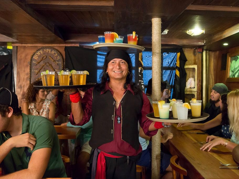 Capitan Hook Show y Cena Pirata