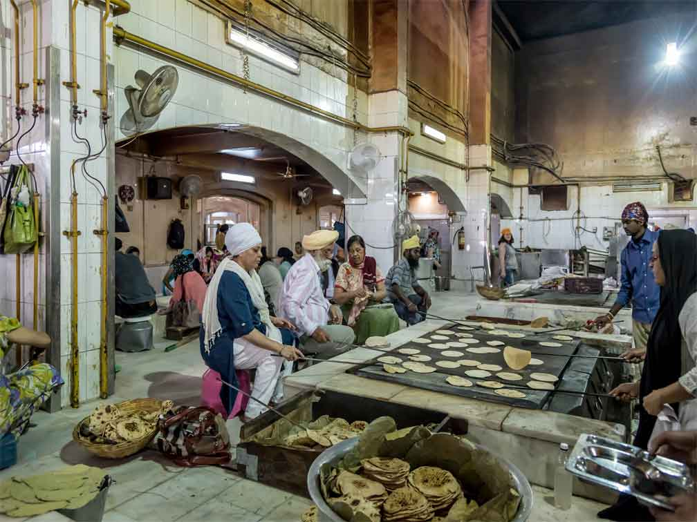 Tour a pie y degustación de comida local en Delhi