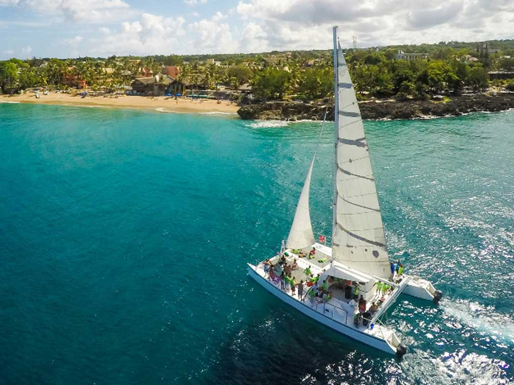 Catamaran Tours Point