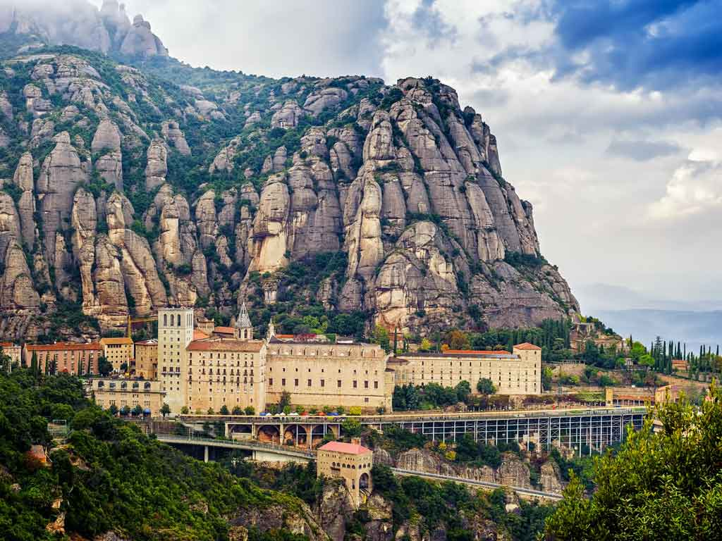 Monserrat al Amanecer con Acceso Exclusivo
