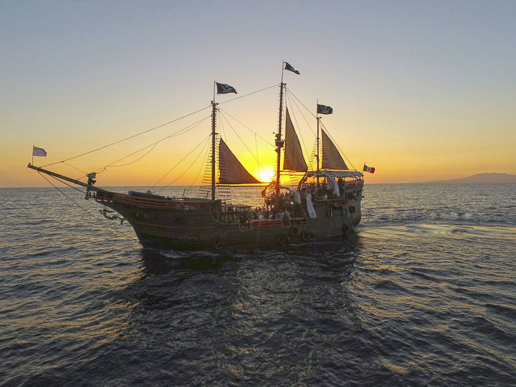 reviews Tour Nocturno Barco Pirata Puerto Vallarta